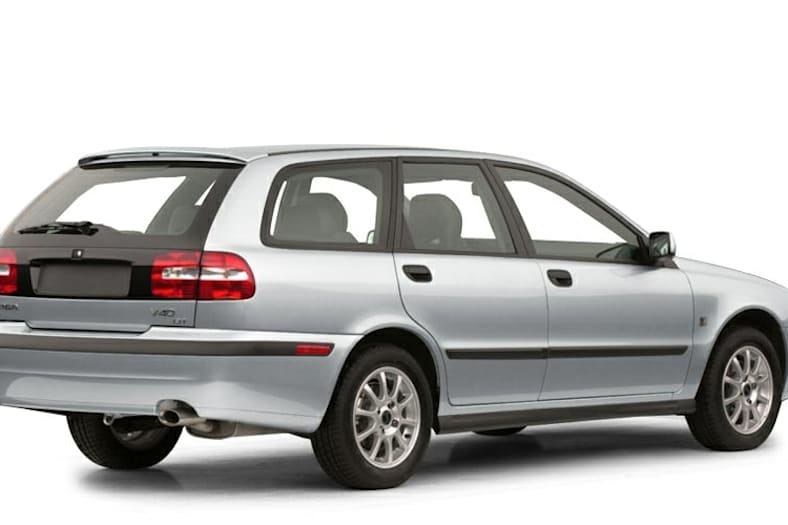 2001 Volvo V40 Pictures