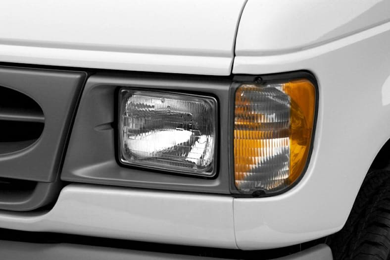 2002 Ford E-250 Exterior Photo