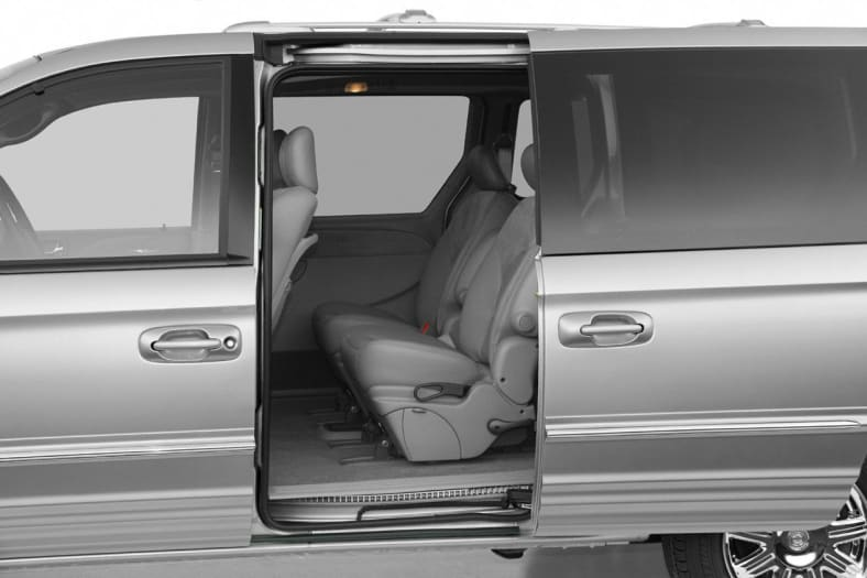 2004 Chrysler Town & Country Exterior Photo