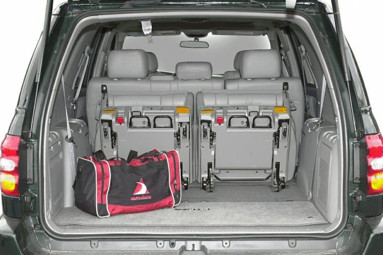 2004 Toyota Sequoia Exterior Photo