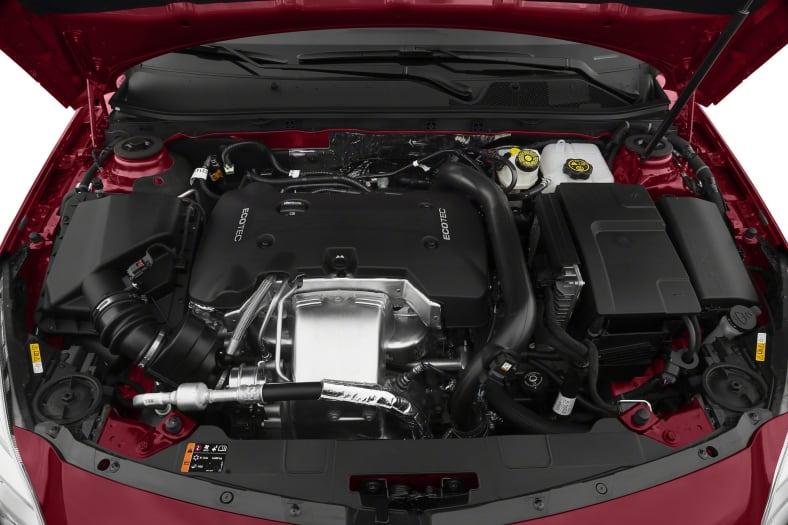 2017 Buick Regal Exterior Photo