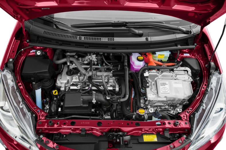 2015 Toyota Prius c Information