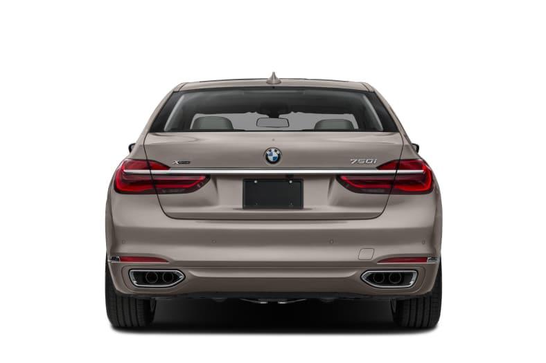2017 BMW 750 Exterior Photo