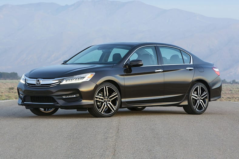 Honda Accord Touring Sedan Pictures