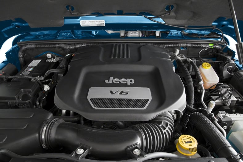 2013 Jeep Wrangler Unlimited Sahara 4dr 4x4 Specs And Prices