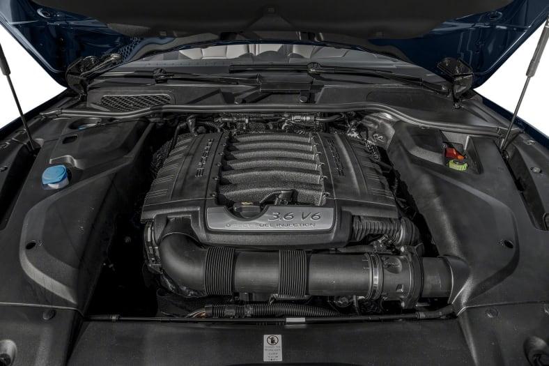 2017 Porsche Cayenne Exterior Photo