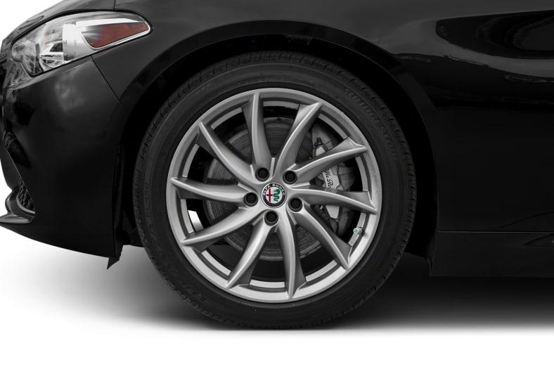 2017 Alfa Romeo Giulia Exterior Photo