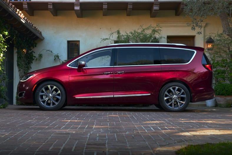 2018 Chrysler Pacifica L Front-wheel Drive Passenger Van ...