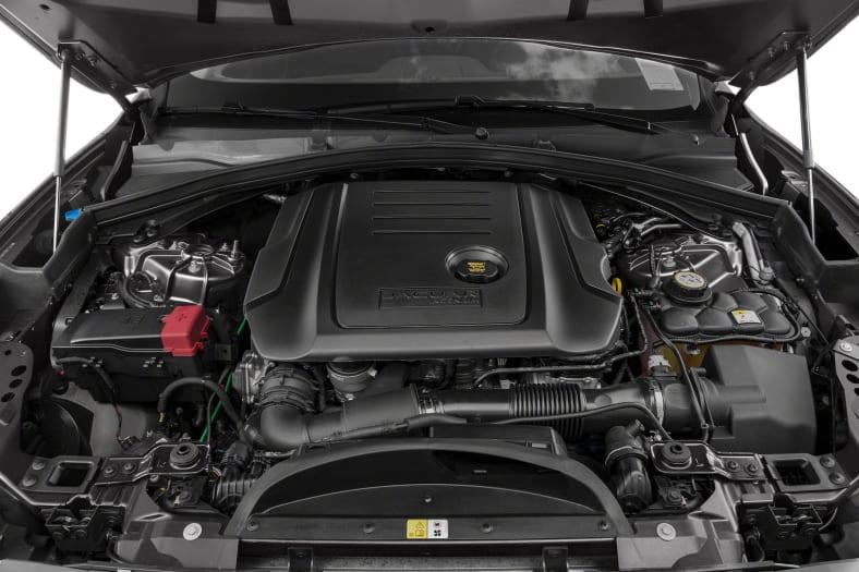 2017 Jaguar F-PACE Exterior Photo