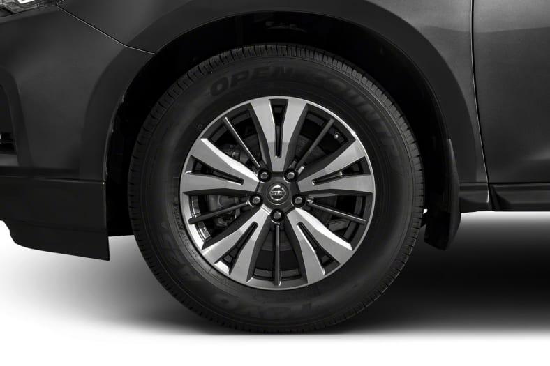 2017 Nissan Pathfinder Exterior Photo