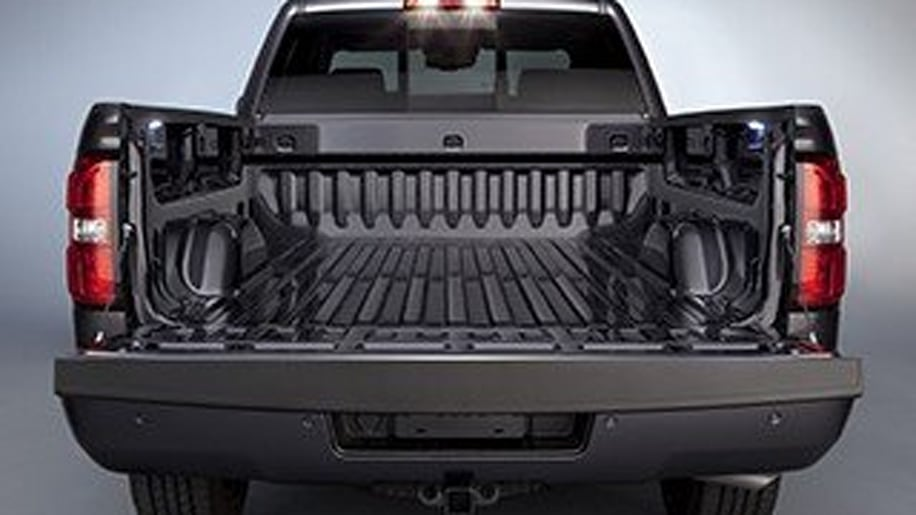 the 2014 chevrolet silverado and gmc sierra. Black Bedroom Furniture Sets. Home Design Ideas
