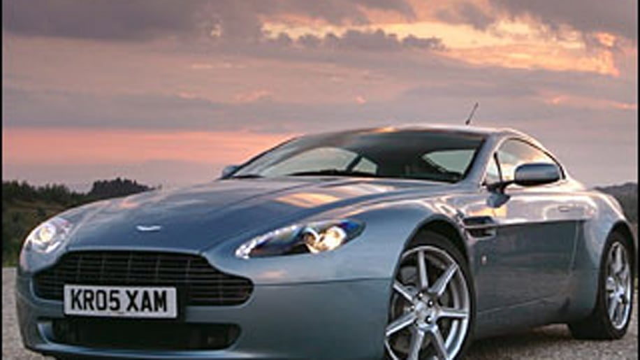 Super Car: Aston Martin V8 Vantage