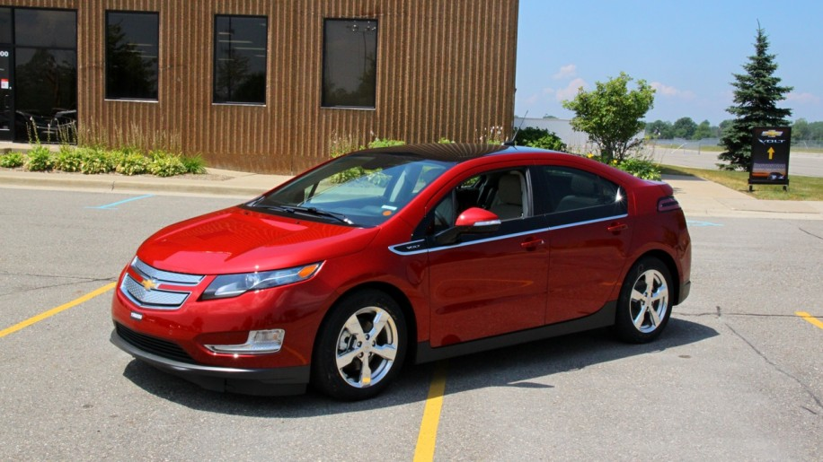Chevrolet Volt In Victory Red Photo Gallery Autoblog