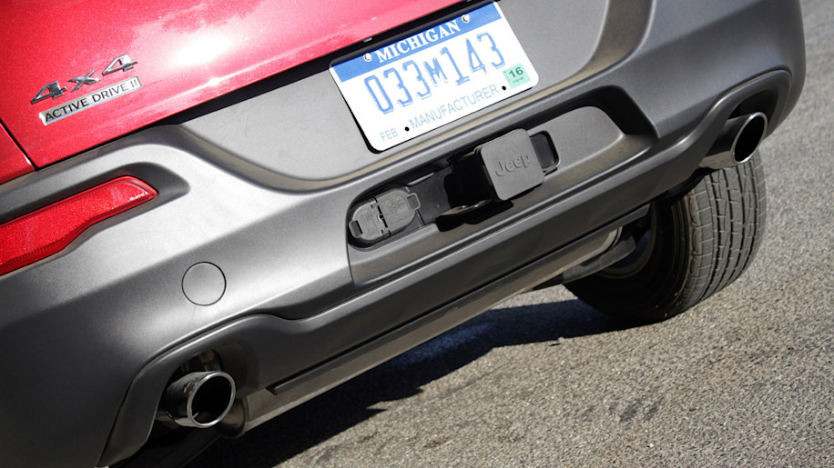 Some Jeep Cherokees and Chrysler 200s to get standard stop-start in 2015