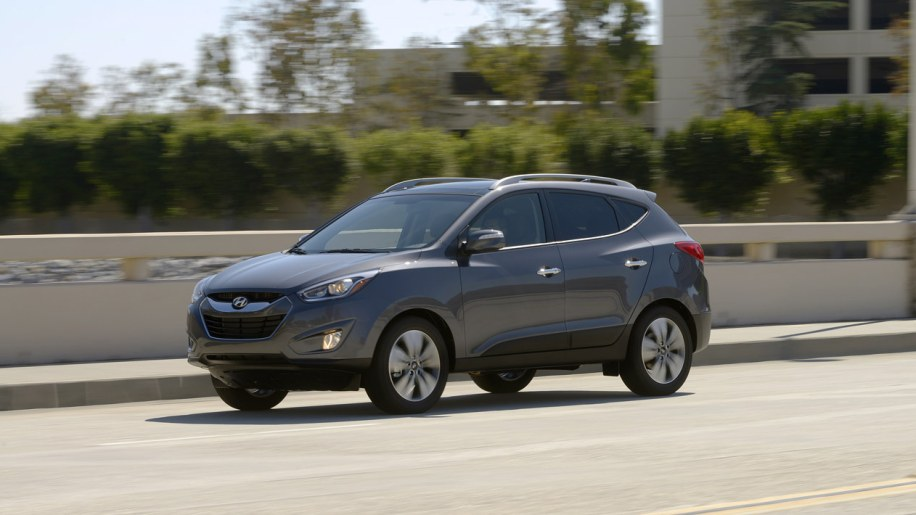 005 2014 hyundai tucson 1 2014 hyundai tucson gets di engines, styling tweaks, priced from  at n-0.co