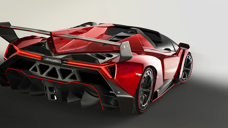 Lamborghini officially reveals new Veneno Roadster
