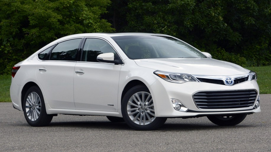 2013 toyota avalon hybrid autoblog. Black Bedroom Furniture Sets. Home Design Ideas