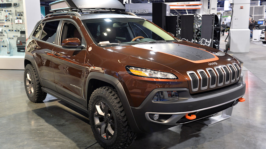 Jeep Cherokee Trail Carver Is A More Rugged Trailhawk Autoblog