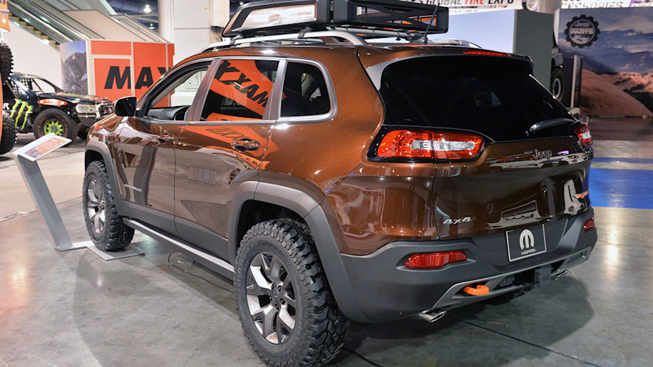 Jeep Cherokee Trail Carver is a more rugged Trailhawk ...
