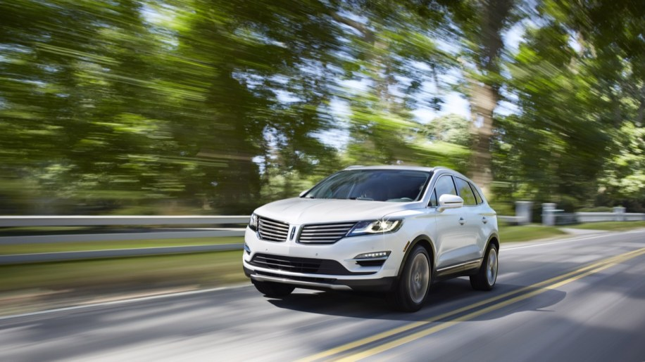 Lincoln reveals MKC compact crossover ahead of LA debut [w/video]