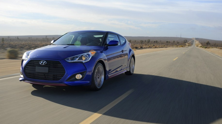 2014 hyundai veloster turbo gets stripped down lower cost r spec model autoblog. Black Bedroom Furniture Sets. Home Design Ideas