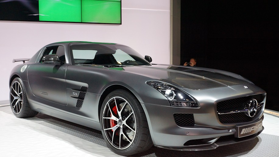 mercedes sls amg gt final edition marks end of amg 39 s first sports car autoblog. Black Bedroom Furniture Sets. Home Design Ideas