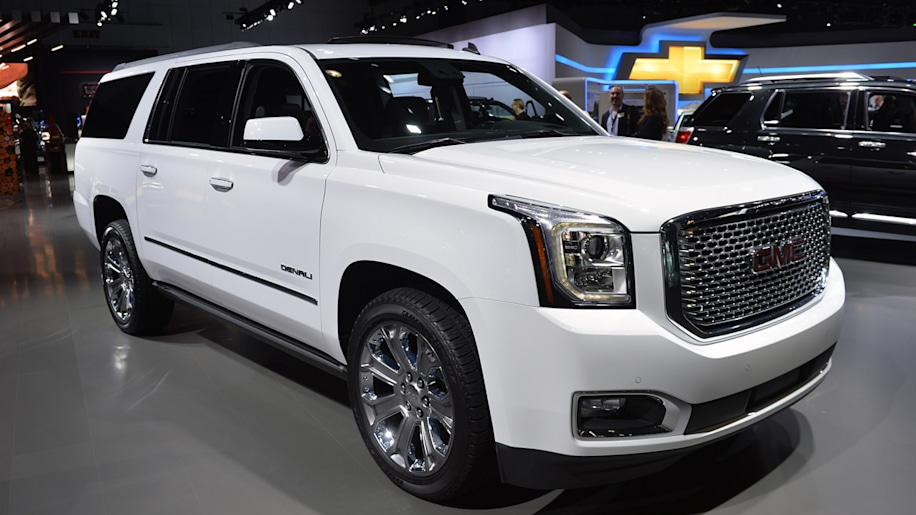 2015 gmc yukon and yukon xl hit the floor at la autoblog. Black Bedroom Furniture Sets. Home Design Ideas