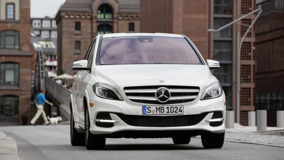 2014 mercedes benz b class electric drive photo gallery for Mercedes benz b class electric