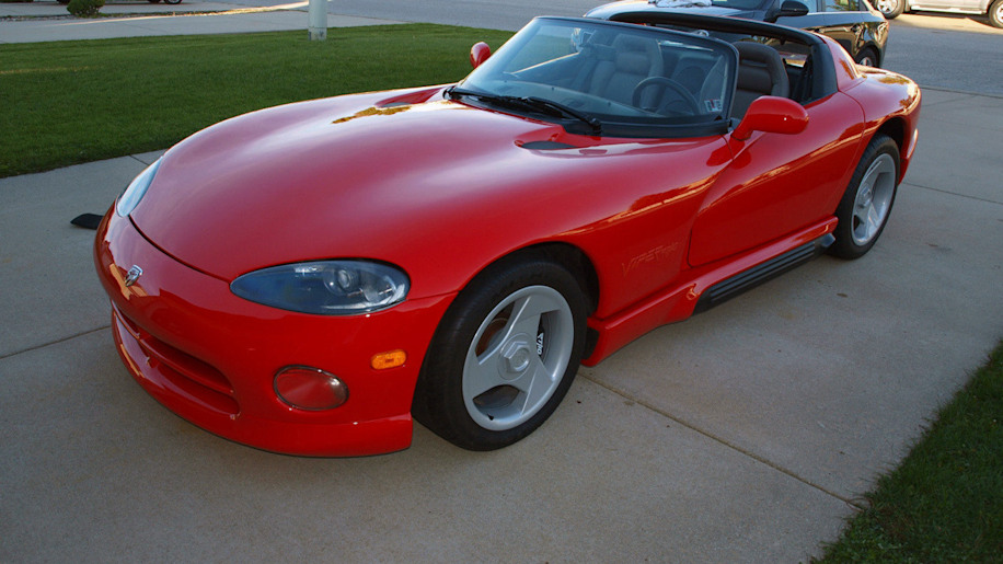 ebay find of the day 1994 dodge viper rt 10 with 504. Black Bedroom Furniture Sets. Home Design Ideas