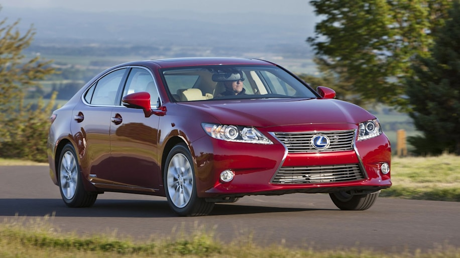 Luxury Car: Lexus ES 300h
