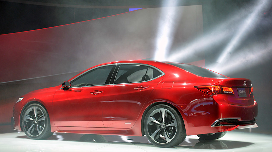 2015 Acura TLX driving to be a 'red carpet athlete' [w ...