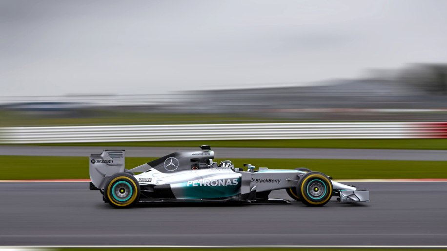 Mercedes AMG Petronas unveils new F1 W05 [w/video]
