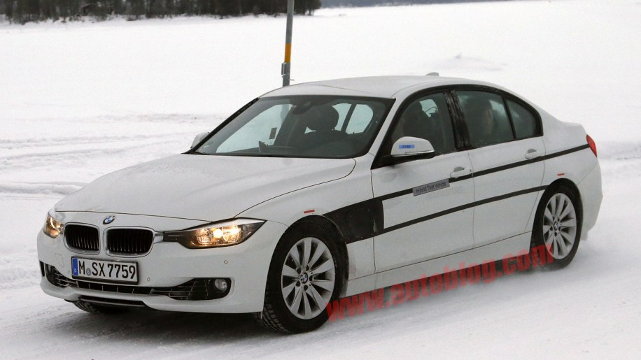 bmw 3 series edrive plug in hybrid spotted in development autoblog. Black Bedroom Furniture Sets. Home Design Ideas