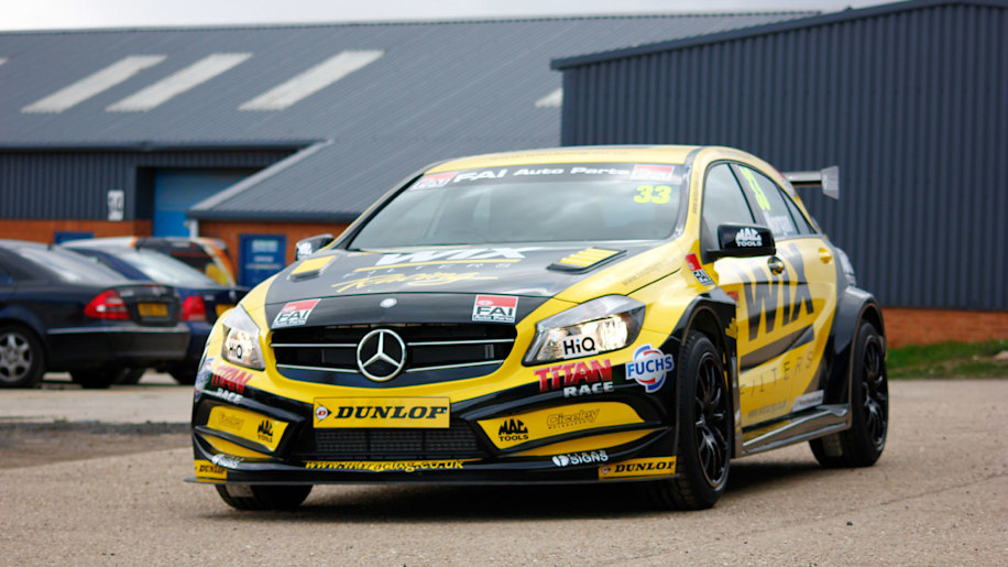 Car Repair Insurance >> Mercedes A-Class gears up to tackle British Touring Car Championship [w/video] - Autoblog