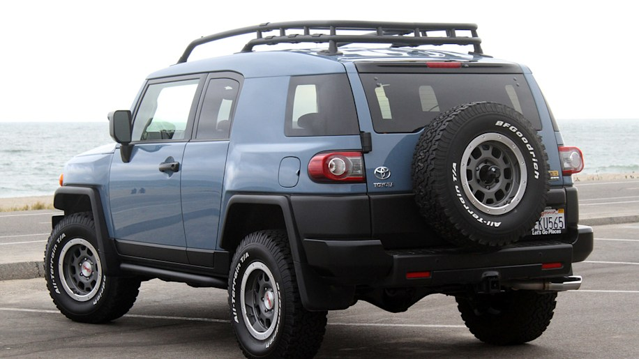 09 2014 toyota fj cruiser ue qs 1 the toyota fj cruiser has surprisingly good resale value autoblog  at gsmportal.co