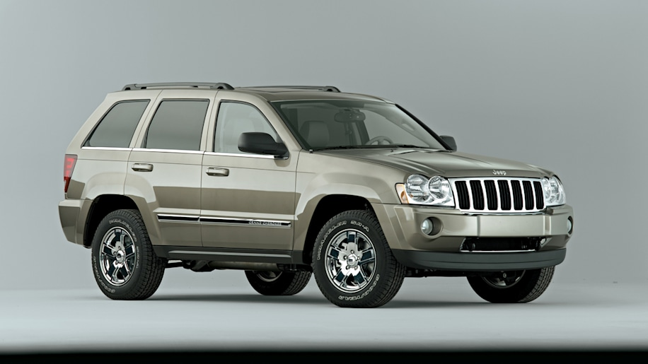 2005 jeep grand cherokee photo gallery autoblog. Black Bedroom Furniture Sets. Home Design Ideas