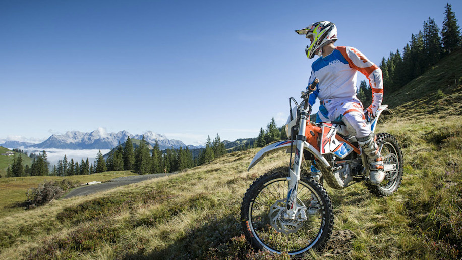 Ktm Officially Launches Battery Powered Freeride E W