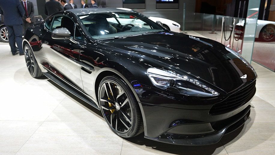 aston martin vanquish carbon edition is back in black w video autoblog. Black Bedroom Furniture Sets. Home Design Ideas