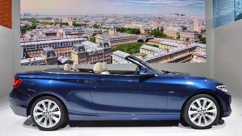 2015 bmw 2 series cabriolet flips its lid w video autoblog. Black Bedroom Furniture Sets. Home Design Ideas