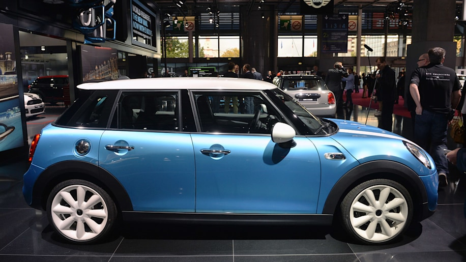 2015 Mini Hardtop 5-Door isn't for the country, man [w/video]