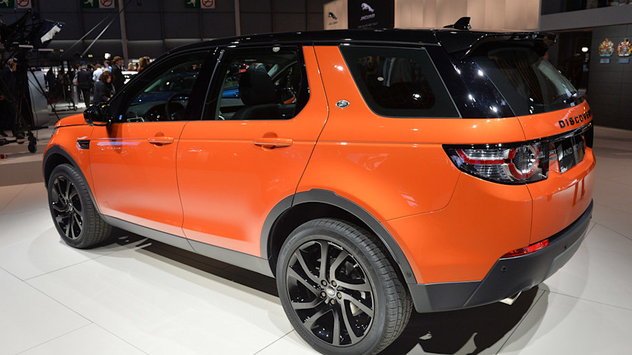 2015 land rover discovery sport spells sundown for old lr2 w video autoblog. Black Bedroom Furniture Sets. Home Design Ideas