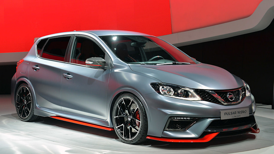 2015 Nissan Pulsar and Pulsar Nismo Concept show Jekyll and Hyde for the hatch