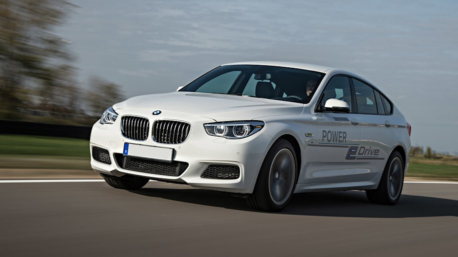 BMW shows 670-hp plug-in 5 Series GT concept