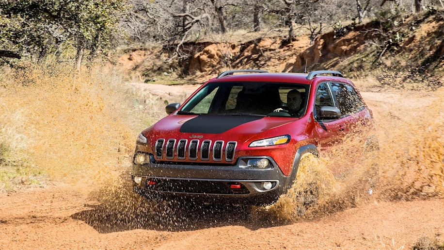 2015 Jeep Cherokee Trailhawk in red off road