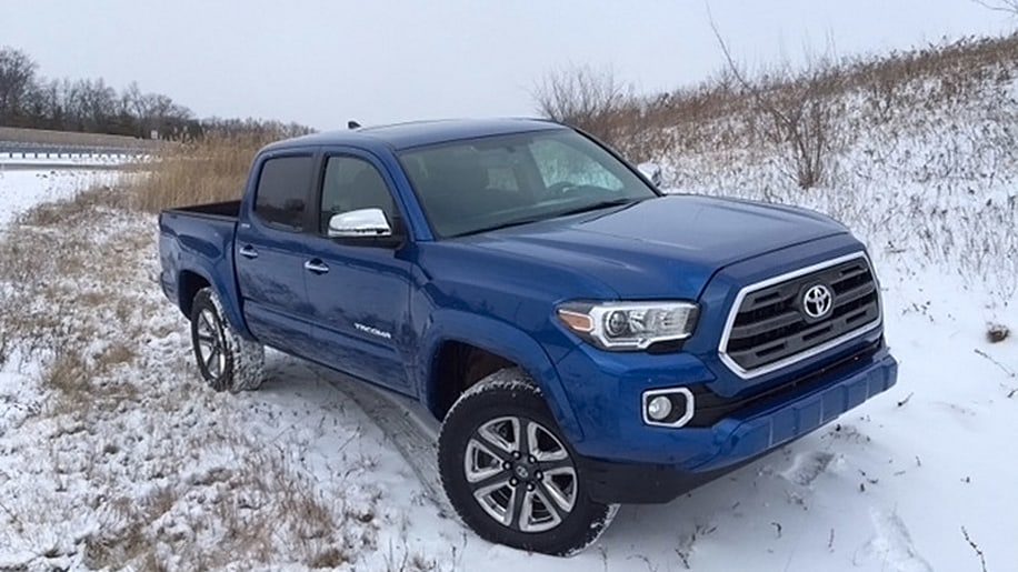 2016 toyota tacoma shows its face ahead of detroit debut autoblog. Black Bedroom Furniture Sets. Home Design Ideas