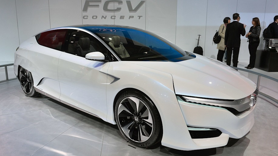 Honda Gives Itself Room To Delay FCV Hydrogen Car Until June 2017