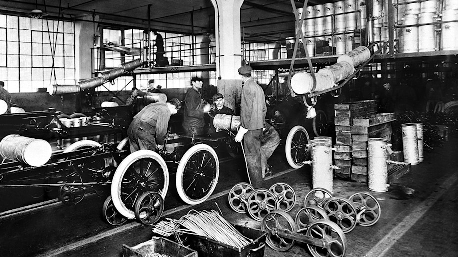 2. Ford Invented Building Cars On Assembly Lines