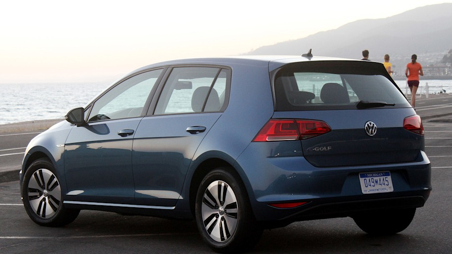 2015 volkswagen e golf review photo gallery autoblog. Black Bedroom Furniture Sets. Home Design Ideas