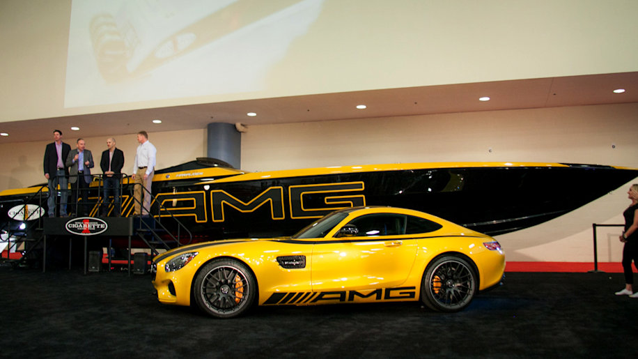 cigarette racing unveils the amg gt s inspired 50 foot marauder autoblog. Black Bedroom Furniture Sets. Home Design Ideas