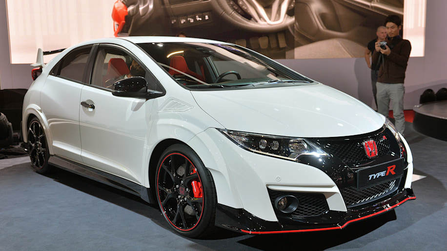 2016 Honda Civic Type R Price >> 2016 Honda Civic Type R Shows Sometimes The Grass Really Is Greener